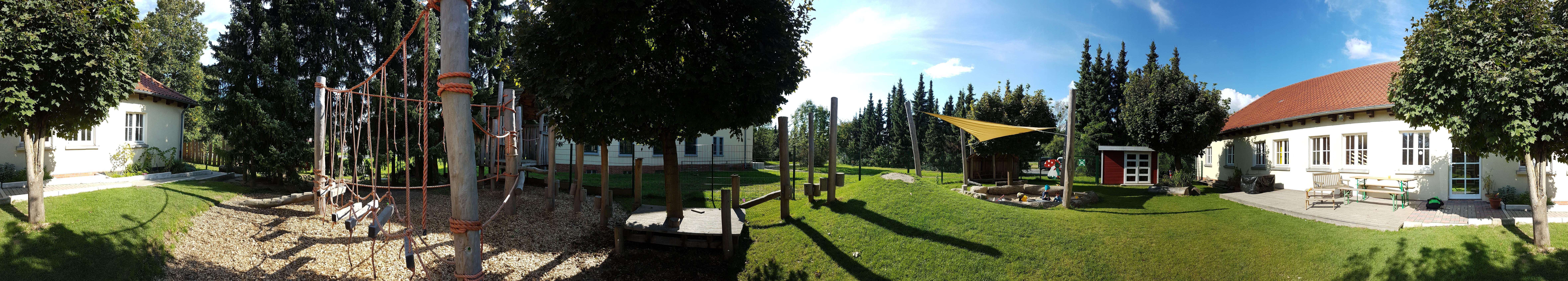 Hier seht ihr ein Panorama des Garten