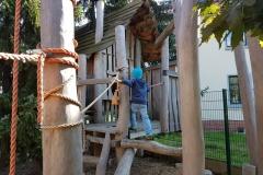 Forscherhütte und Baumhaus mit 3 Etagen