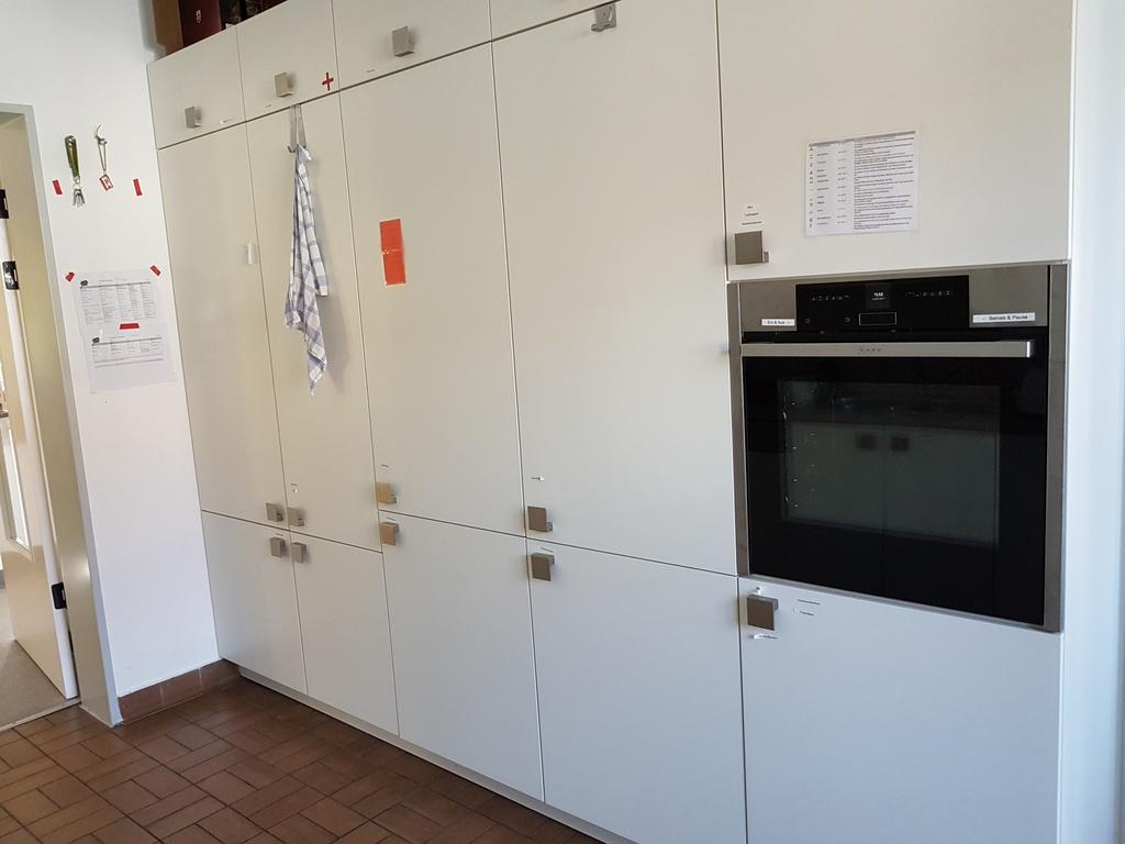 Die Küche lässt sich irgendwie nur schwer fotografieren. Wir haben u.a. 2 grosse Kühlschränke, in dem die frischen Sachen gut und nach hygienischen Standards aufbewahrt werden.